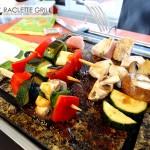 Asia Gemüsespieße brutzeln auf dem Heisen Stein