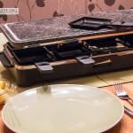Heißer Stein bei einem Raclette Grill