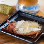 Raclette: Blauschimmelkäse mit Schinken